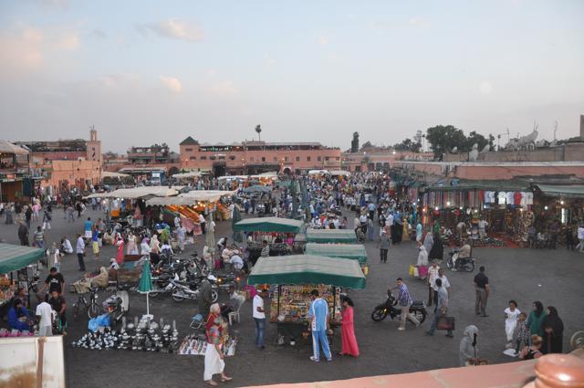 A loucura da praça central de Marrakech